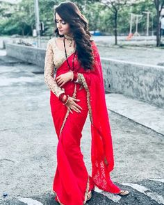 Image may contain: 1 person Pakistani Formal Dresses, Indian Dresses, Indian Outfits, Indian Clothes, Full Sleeves Blouse Designs, Saree Blouse Designs, Red Saree, Saree Look, Indian Look