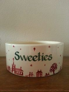 Personalised Christmas Town Large Pet Bowl (Christmas 2011) Discontinued