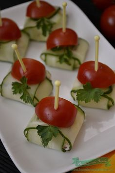 paachetele-of-the-cheese-cucumber - Germany 2019 Toothpick Appetizers, Mini Appetizers, Vegetarian Appetizers, Appetizer Recipes, Cocktail Party Food, Party Sandwiches, Food Humor, Party Snacks, Finger Foods