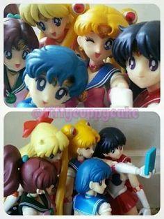 Selfie dolls