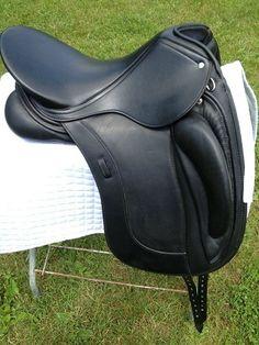 Barely Used Schleese Link II Dressage Saddle