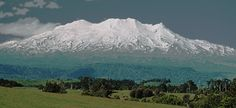 Mount Ruapehu, one of the beautiful place worth visiting in New Zealand, If you will be coming from Auckland and driving to Wellington go to this place first and have a good hot cup of coffee while watching many visitors having fun in the snow, Mount Ruapehu New Zealand