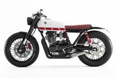 Pocket Rocket: A stunning custom Yamaha XS 400 from the Australian workshop Ellaspede. Yamaha Cafe Racer, Cafe Bike, Cafe Racers, Brat Bike, Scrambler Motorcycle, Bobber, Tracker Motorcycle, Motorcycle Design, Vintage Motorcycles