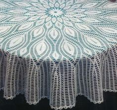 Home Decor Crochet Patterns Part 154 - Beautiful Crochet Patterns and Knitting Patterns Crochet Table Topper, Table Topper Patterns, Crochet Tablecloth Pattern, Crochet Table Runner, Crochet Doily Patterns, Crochet Motif, Crochet Doilies, Crochet Lace, Crochet Stitches