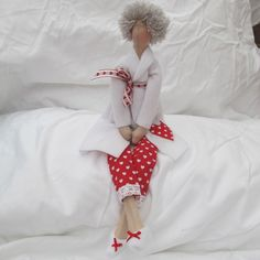 Tilda Doll - Red and white Bathroom