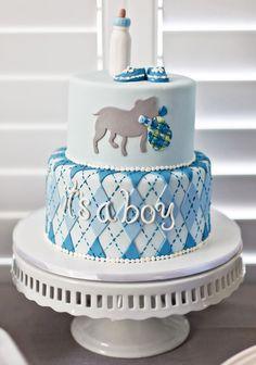 bolo azul e branco para chá de bebê