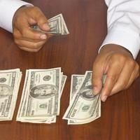 Cómo ahorrar dinero cuando estás en bancarrota