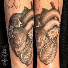 #Tatuagem por @ToniSkink, São Paulo, Brasil. Para ter uma #tattoo como essa, ligue 55 11 4562 9000, WhatsApp 11 96886 6623 ou escreva para skinktoni@gmail.com - Siga também @SkinkTattooSP #TattooBR #TattooBrasil #TattooSP #TattooZN #TattooJardins #BlackWork #Ink #Inked #Tattooed #hearttattoo #coracaotattoo