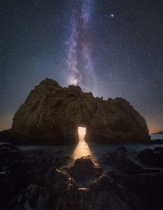 Michael Shainblum is a photographer whose favorite target is the Milky Way (though he took one of the most amazing photos of 2014, lightning hitting the Burj Khalifa, the tallest building in the world). He sent me a note recently that he caught an unusual scene in Big Sur, California,...
