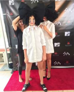 Sia and Maddie ❤ Pop Song Lyrics, Pop Songs, Sia Kate Isobelle Furler, Sia Music, Sia And Maddie, Shes Amazing, Maddie Ziegler, Music Is Life, The Voice