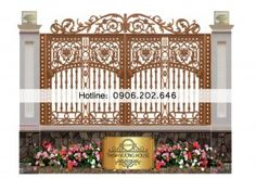 """Hàng rào nhôm đúc """"Tứ phẩm liên hoa"""" may mắn cho mệnh Thổ hàng rào biệt thự đẹp """"Tứ phẩm liên hoa"""" đem lại may mắn và bình an cho bạn, lấy cảm hứng từ hoa sen mang ý nghĩa thanh cao, thanh tịnh, hoàn hảo. http://thinhvuonghouse.com/san-pham/hang-rao-biet-thu-may-man-cho-menh-tho"""