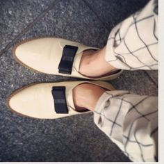 HPF-troupe patent bow oxfords NWT! F-troupe bow flats in 'ivory & black'. Sz.8. True to size. No trades or pp. Actual color of shoe is pic 2 & 3! F Troupe Shoes Flats & Loafers