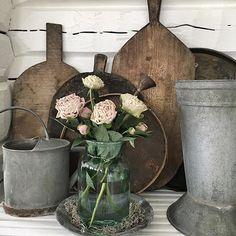 Instagram media by villasmedsbo - Flower Love... ~ ❁ ~ ❁ ~ ❁ ~ #home#decoration#peony#vintage#zink