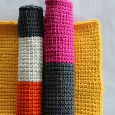The Real Afghan Crochet (Tunesian Crochet) washcloths, tutorial in German with images.
