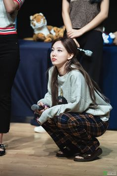 Photo album containing 29 pictures of Nayeon Kpop Girl Groups, Korean Girl Groups, Kpop Girls, School Looks, Skinny Motivation, Nayeon Twice, Im Nayeon, Kpop Outfits, Airport Style