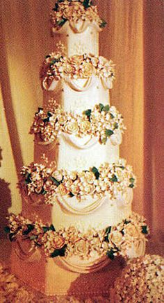 Jessica Simpson's and Nick Lachey's Wedding Cake…