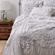 Gorgeous;) I'm pretty sure I would buy all of anthropologies bedspreads an change them weekly ;)