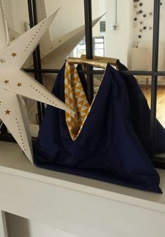 Boho fashion 312789136618923830 - Sac cabat réversible Source by fannyfarneti Origami Tote Bag, Diy Circle Skirt, Diy Fashion, Womens Fashion, Fashion Trends, Sewing Jeans, Reversible Skirt, Couture Sewing, Simple Dresses