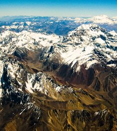 The Andes mountain range is home to the highest peaks in the Americas, with several reaching higher than 6,000m. The highest is Mount Aconcagua, which stands at 6,962 metres high. Image by Flickr - Ninha Morandini.