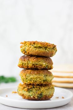 Easy Vegan Falafel using canned chickpeas. Baked or Pan Fried options! Vegan Vegetarian, Vegetarian Recipes, Cooking Recipes, Vegan Food, Delicious Recipes, Plant Based Recipes, Veggie Recipes, Veggie Meals, Lunch Recipes