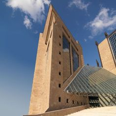 Amazing building in Florence realized with SANTAFIORA VENATA stone.... only from our quarries in Tuscany Italy
