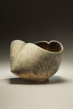 Minhara Ken. Japan. The shape and glaze give me shivers; stunning work!