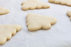 Make the perfect cut out sugar cookies every time without chilling the dough! Our recipe makes a soft cookie that's sturdy enough for icing! Sugar Cookie Recipe No Chill, Sugar Cookie Glaze, Christmas Sugar Cookie Recipe, Sugar Cookie Dough, Christmas Cookies, Christmas Tree, Sprinkle Cookies, Easy Sugar Cookies, Cut Out Cookies