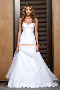 Robe de mariée princesse avec bretelles fines en organza