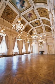 Can my house have a ballroom? Baroque Architecture, Interior Architecture, Interior And Exterior, Palais Brogniart, Beautiful Buildings, Beautiful Places, Future House, My House, Ballrooms