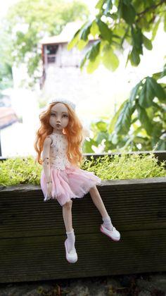 Porcelain Doll, Bjd Dolls, Ball Jointed Dolls, Harajuku, Flower Girl Dresses, Artists, Wedding Dresses, Fashion, Bride Dresses