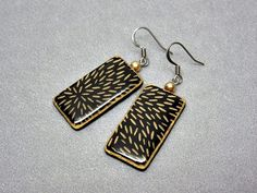 Polymer clay earrings black and gold by AquascentCreations on Etsy Black Gold Jewelry, Polymer Clay Earrings, Gold Earrings, Resin, Personalized Items, Etsy, Gold Stud Earrings, Gold Pendants