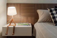 Apartamento .TK: Quartos por Amis Arquitetura & Design