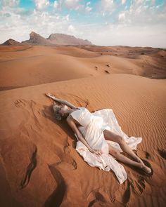 Nude Photography, Portrait Photography, Girl Photo Shoots, Beach Poses, Photoshoot Inspiration, Akita, Nuggwifee, Desert Fashion, Stuffing