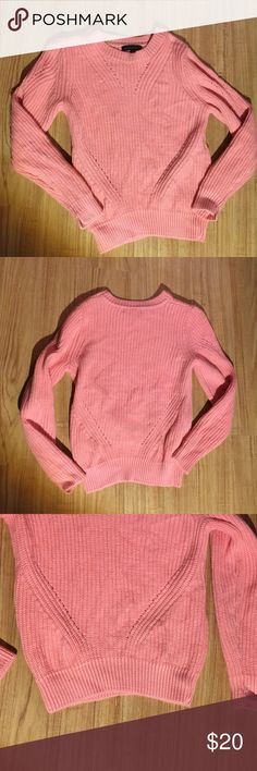 Pink thick sweater Nice thick material!! Like new, only worn once!! Banana Republic Sweaters Crew & Scoop Necks