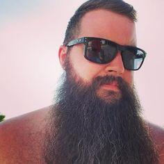 Full Beard, Beard Styles For Men, Awesome Beards, Mens Sunglasses, Mens Fashion, People, Style Ideas, Instagram, Men's