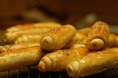 Fotorecept: Špaldové rohlíky - Recept pre každého kuchára, množstvo receptov pre pečenie a varenie. Recepty pre chutný život. Slovenské jedlá a medzinárodná kuchyňa Hot Dogs, Sausage, Food And Drink, Pizza, Bread, Ethnic Recipes, Hampers, Cooking, Sausages