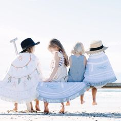 When I came across The Beach People and saw that they do a kids collection I was so happy. Now I can bring the summer and the beach right over here. Beach Color, Blue Beach, Beach Kids, Beach Day, Summer Beach, Winter Kids, Summer Kids, Rebecca Minkoff, Black Kids Fashion