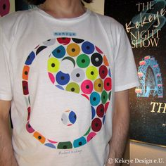 Kekeye T-Shirt of the Day / Yin Yang in Dots Design Web Design, Dots Design, Design Products, Marketing, Yin Yang, Vienna, Designer, Interior, Mens Tops