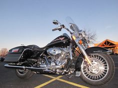 2011 Harley-Davidson ROAD KING FLHR ROAD KING FLHR - Click to see full-size photo viewer