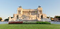 Piazza Venezia is the central hub of Rome !