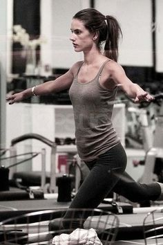 Alessandra Ambrosio pilates workout