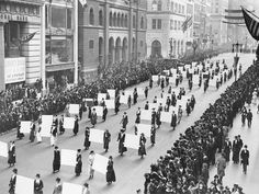 Find out how these female leaders have shaped the world The post Women's History Month: Women rule! appeared first on Lifestyle Guide To Moving To & Living in Singapore - Expat Living. New York Parade, Women In American History, Native American, 19th Amendment, Women Rights, Suffrage Movement, Right To Vote, Before Us, Rotterdam