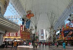 Experience Fremont Street in Downtown Las Vegas | Travel Quest - US Road Trip and Travel Destinations