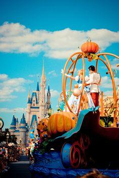 <3 Celebrate A Dream Come True Parade <3