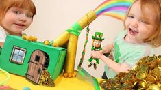 (12) YouTube Cupcake Toppers Free, Leprechaun Trap, St Patrick, Lunch Box, Diy Crafts, Shakespeare, Amelia, Chloe, Youtube