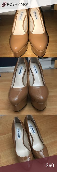 Steve Madden Piccoo Tan Patent Heel Size 7 Gorgeous Steve Madden Patent heel in a tan color. These have a platform Heel and approximately 5-5.5 inch heel. They're brand new in the box. Steve Madden Shoes Platforms