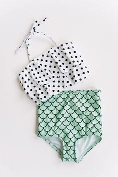 **Be sure to click or swipe the image above to see additional photos** Mermaid and polka dot print high waist ruffle bikini. Please refer to size...