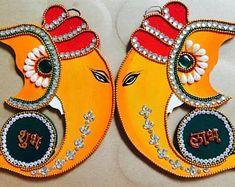 Happy Diwali Easy Diwali Decorations At Home Ideas- Diwali Decor - Make Diwali DIY Arts, Crafts, Paper Bandarwal, Rangoli Designs, and Ideas. Diwali Decoration Items, Diya Decoration Ideas, Diwali Decorations At Home, Hanging Decorations, Handmade Decorations, Rangoli Ideas, Rangoli Designs Diwali, Diwali Rangoli, Diwali Dekorationen