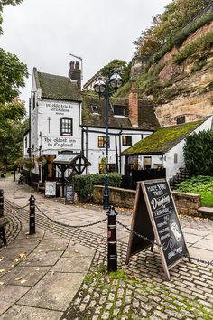 Ye Olde Trip to Jerusalem Pub in Nottingham, England Places To Visit Uk, Places To Travel, Travel Destinations, British Countryside, Yorkshire Dales, Yorkshire England, Lake District, Britain, Beautiful Places