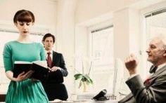 """Commenti sessisti sul lavoro: #canhesaythat, una campagna per non tacere Immaginate che al primo appuntamento lui vi squadri e vi dica: """"sei bellissima!"""". Ora immaginate che quell'appuntamento non sia un appuntamento galante, ma un primo appuntamento di lavoro. Come si fa #donne #lavoro #sessismo"""